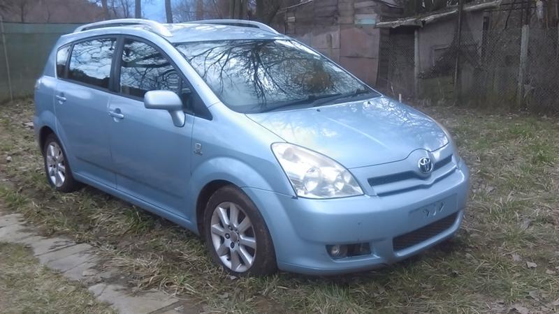 Toyota Corolla verso  НА ЧАСТИ 2.0D4D