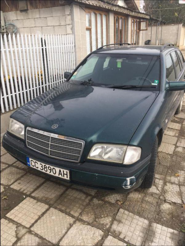 Mercedes-Benz C 220 Перфектен без ръжди