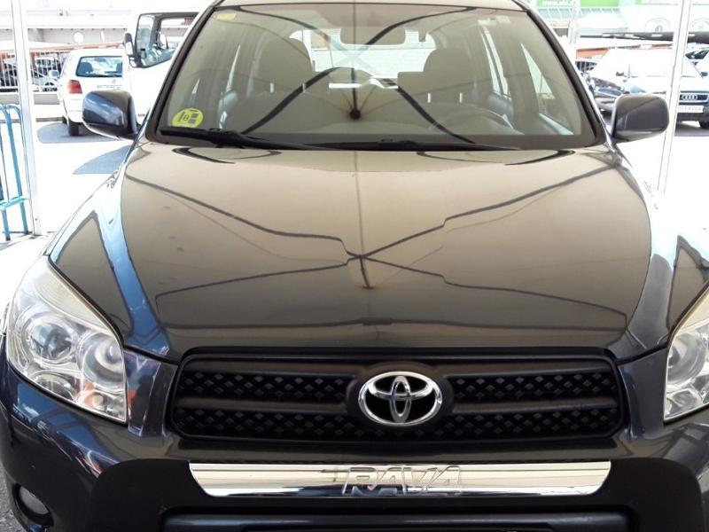 Toyota Rav4 2.2 d-4d+2.0vvt-i, снимка 2