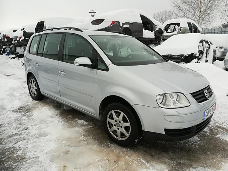 VW Touran 1.6TSI-НА ЧАСТИ, снимка 3