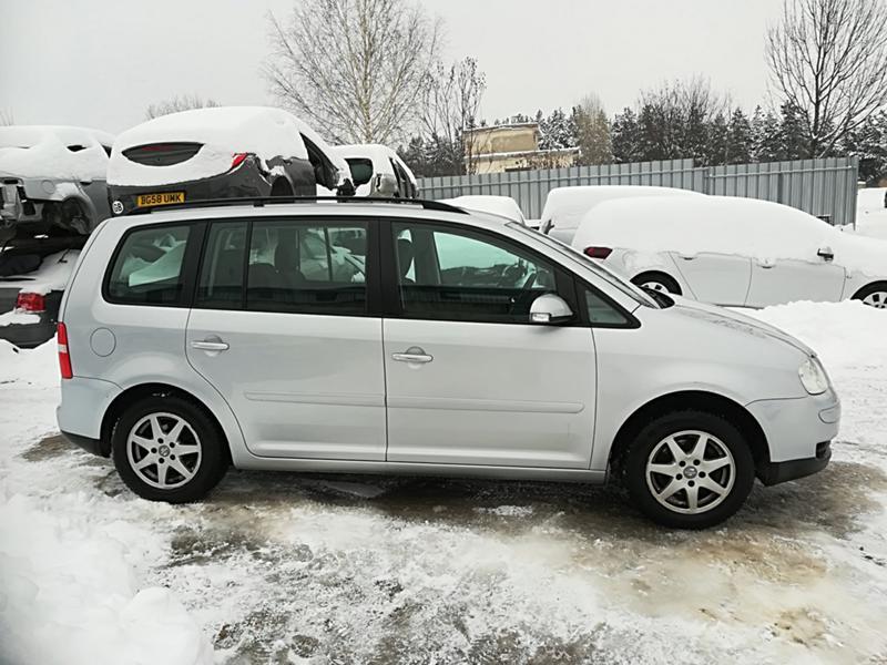 VW Touran 1.6TSI-НА ЧАСТИ, снимка 4