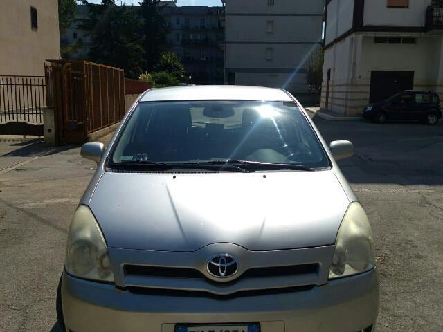 Toyota Corolla verso 2.0d4d