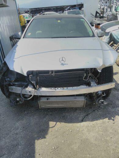 Mercedes-Benz 220 Е212