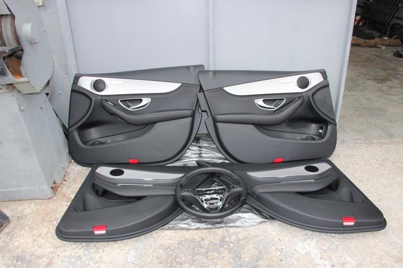 Интериор и аксесоари за Mercedes-Benz C 220