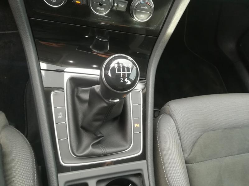 VW Golf 1,6TDI 115кс FACELIFT, снимка 12