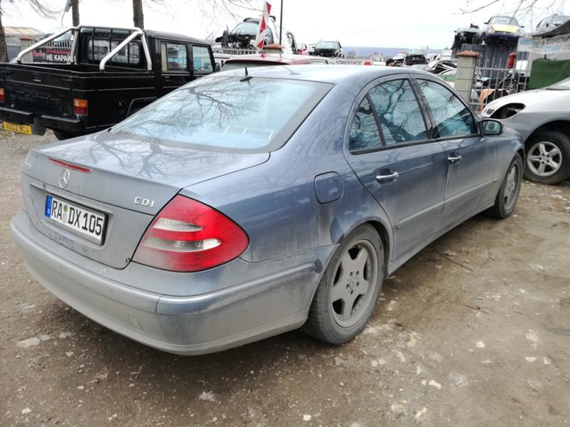 Mercedes-Benz E 220 2.2/2.7/3.2, снимка 14