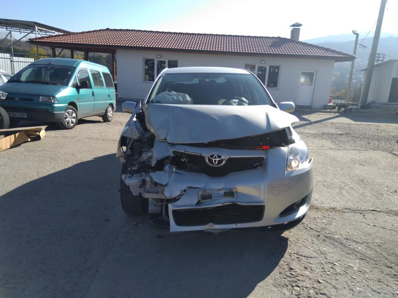 Toyota Auris 3бр. 1,4 D4D дизел и 1.6VVTI 2007 и1.6 2016 бензин, снимка 3