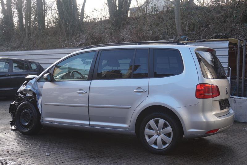 VW Touran 1.6Tdi 2.0 Tdi, снимка 3