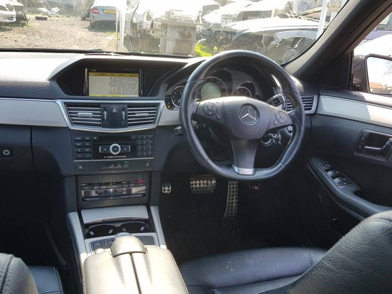 Mercedes-Benz E 250 combi AMG, снимка 9
