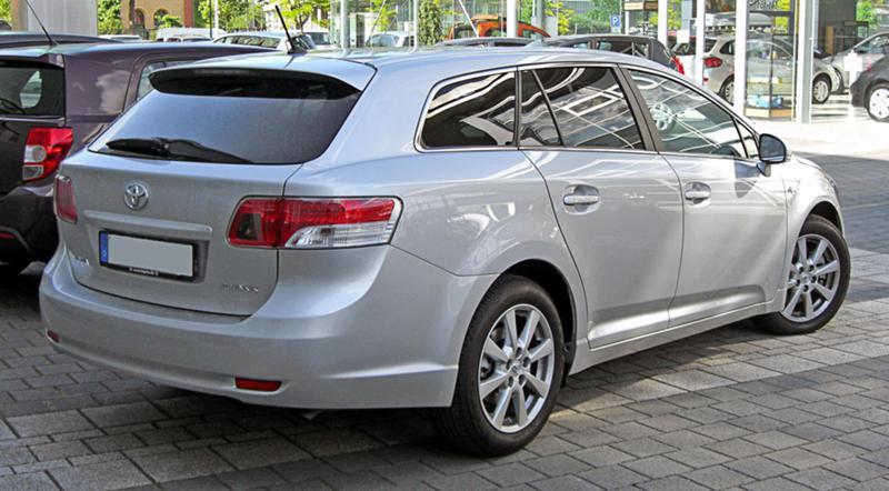 Toyota Avensis 1.8 i / 6 ск. - 3 броя