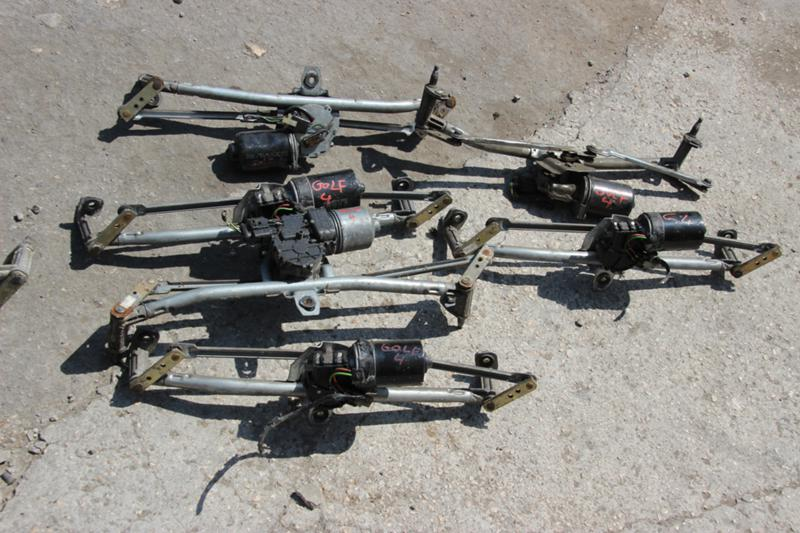 Малогабаритни каросерийни части за VW Golf