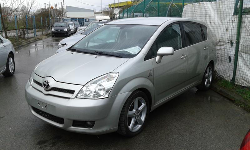 Toyota Corolla verso 2.2 дизел