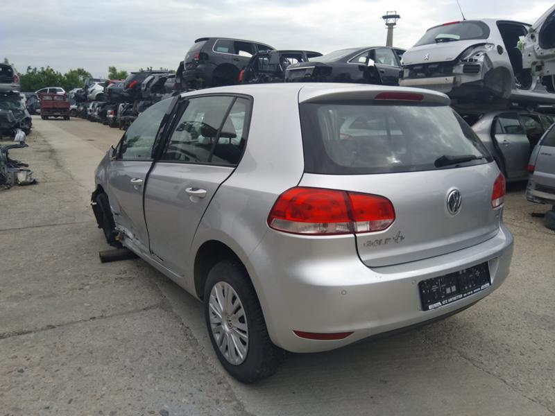 VW Golf 1.6 TDI, снимка 2
