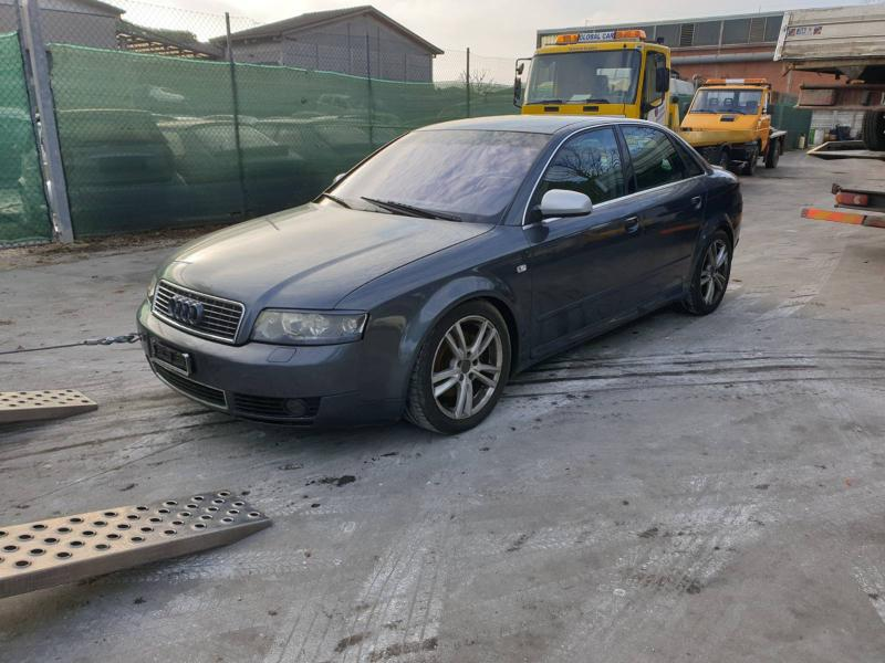 Audi A4 3.0v6 темпомат кожа