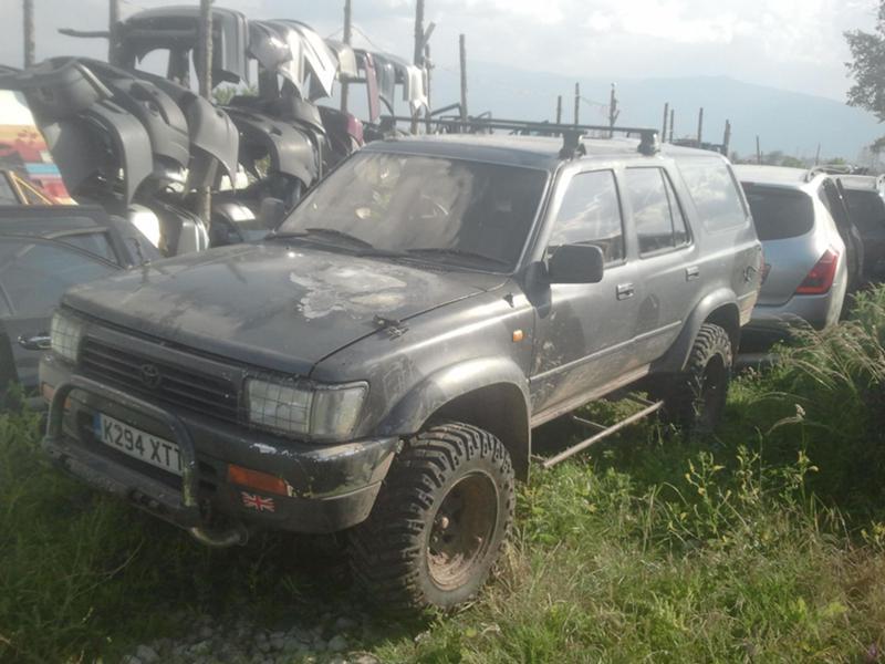 Toyota Hilux 2.4td/на части