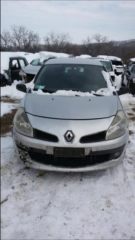 Renault Clio 1.5dci НА  ЧАСТИ