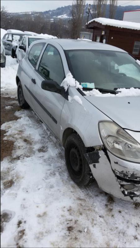Renault Clio 1.5dci НА  ЧАСТИ, снимка 3