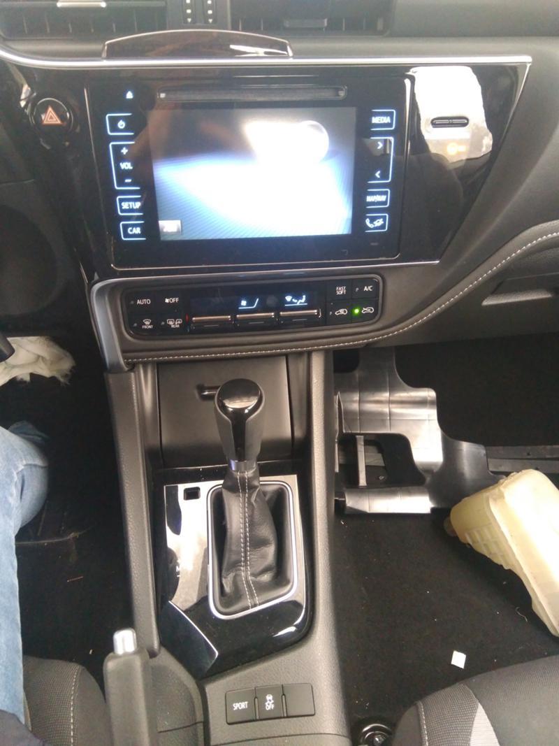 Toyota Auris 3бр. 1,6 автомат 2016г.,1.6VVTI 2007г. и 1,4 D4D , снимка 7