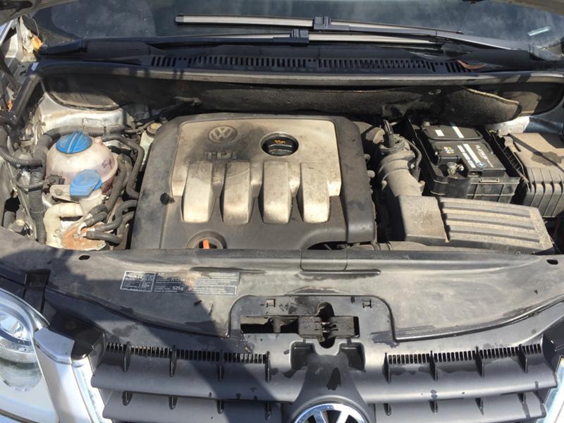 VW Touran 2.0 TDI 140 к.с BKD 6 скорости, снимка 9