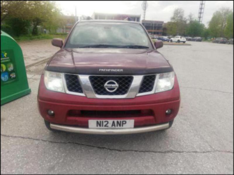 Nissan Pathfinder 2,5DCI НА ЧАСТИ