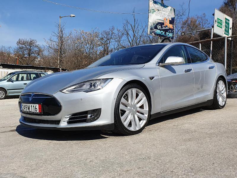 Tesla Model S P90D Ludicrous+