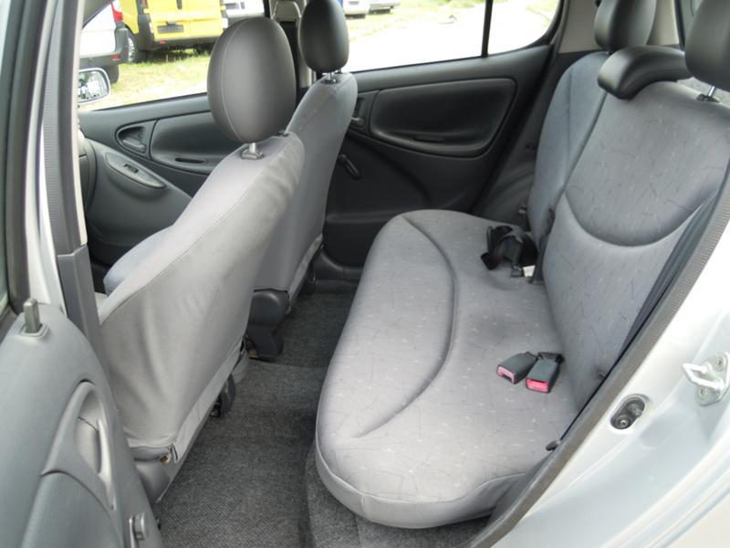 Toyota Yaris, снимка 10
