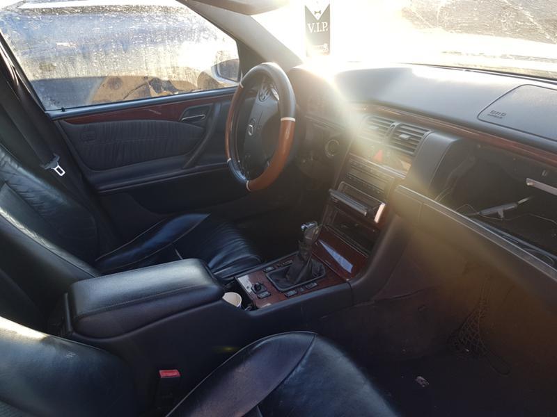 Mercedes-Benz E 270 CDI, снимка 4