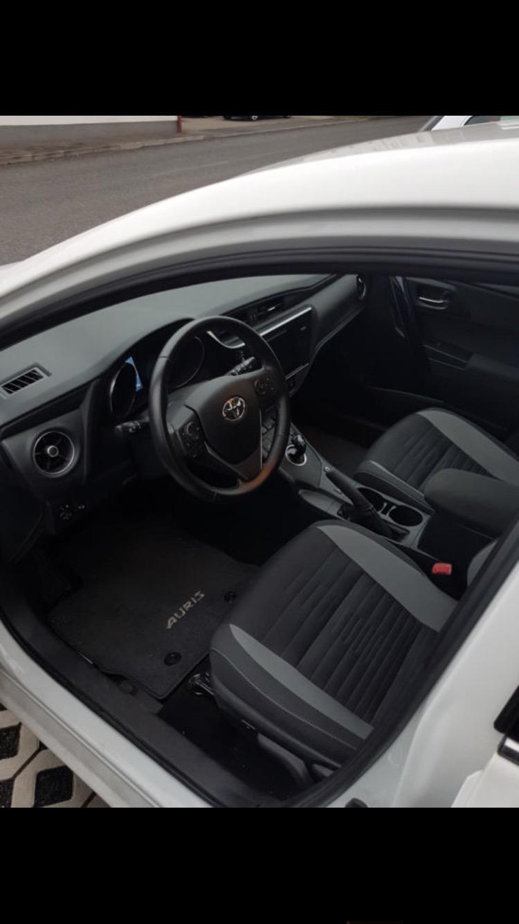 Toyota Auris 1.8 hibrid, снимка 3