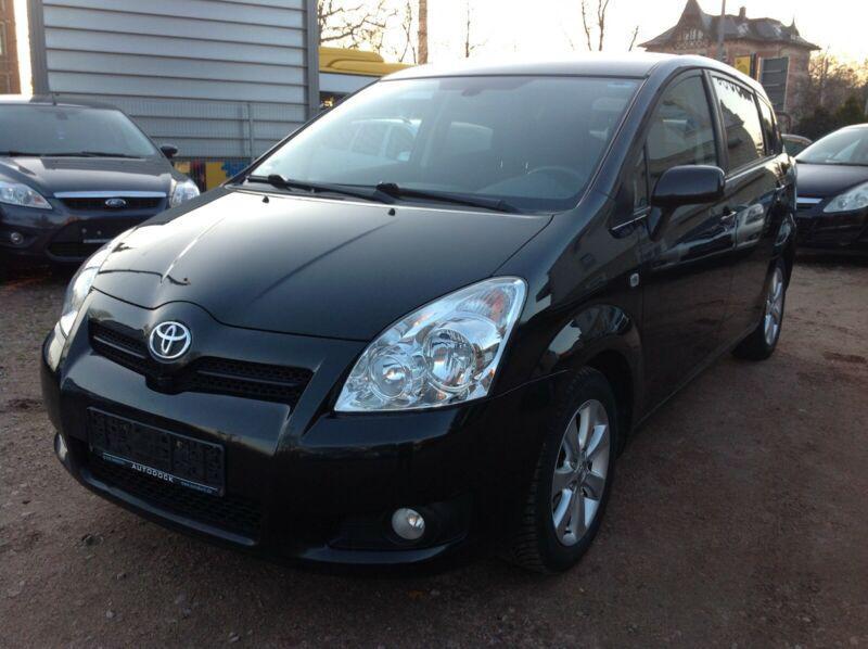 Toyota Corolla verso 2.0D4D НА ЧАСТИ
