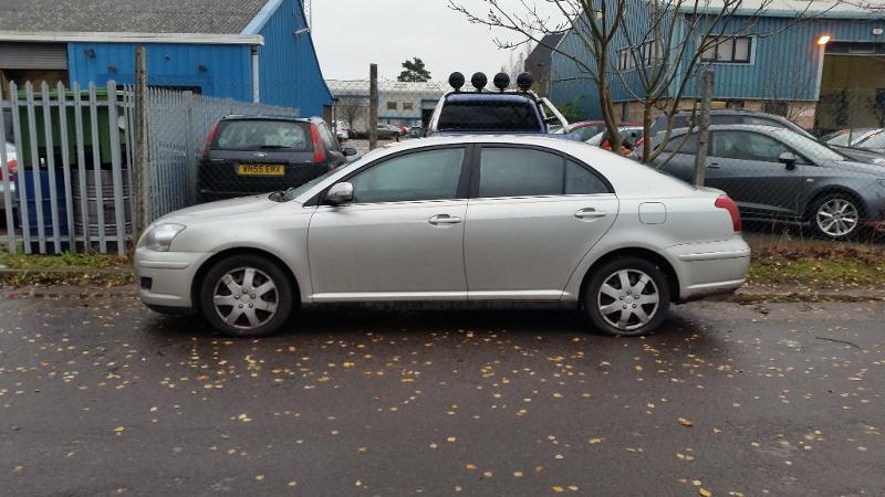 Toyota Avensis бензин;дизел