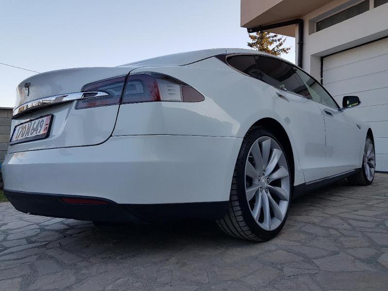 Tesla Model S S 85