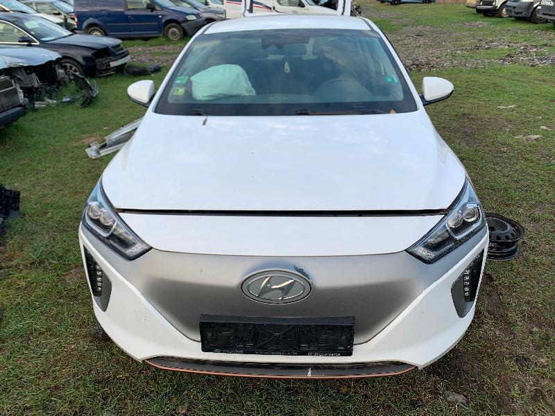 Hyundai Ioniq Electric, 120 кс., LED
