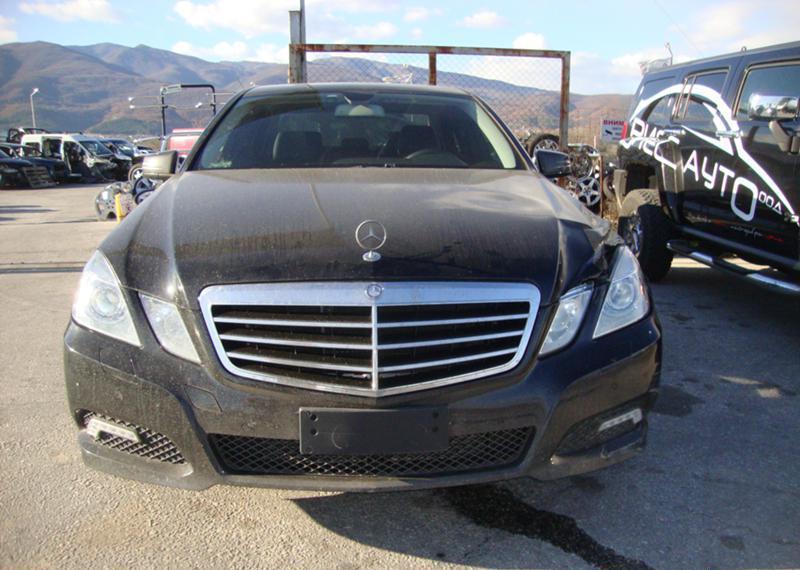 Mercedes-Benz E 220 НА ЧАСТИ -2бр.