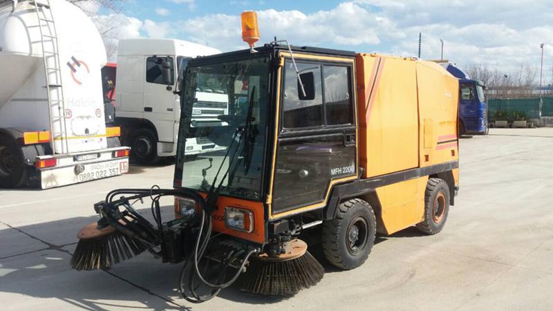 Bucher CityCat HOCHDORF MFH2200 2бр