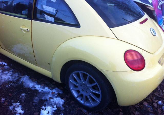 VW New beetle 1.6 2.0na chasti