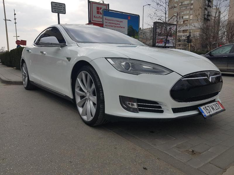 Tesla Model S P 85 +