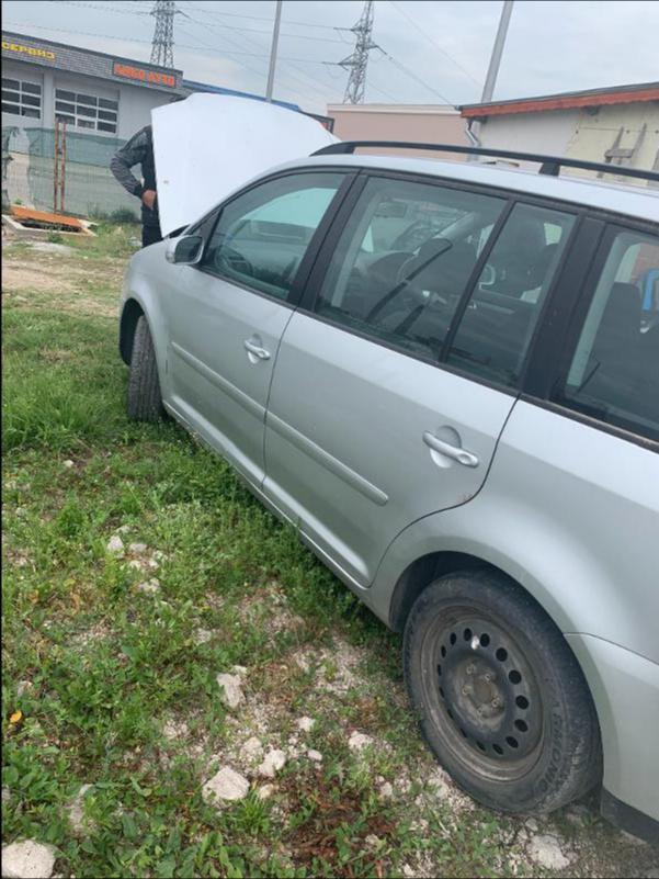 VW Touran 1,9 AVQ 101k НА ЧАСТИ, снимка 4