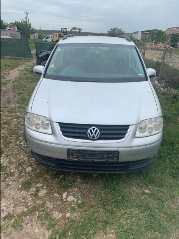 VW Touran 1,9 AVQ 101k НА ЧАСТИ, снимка 1