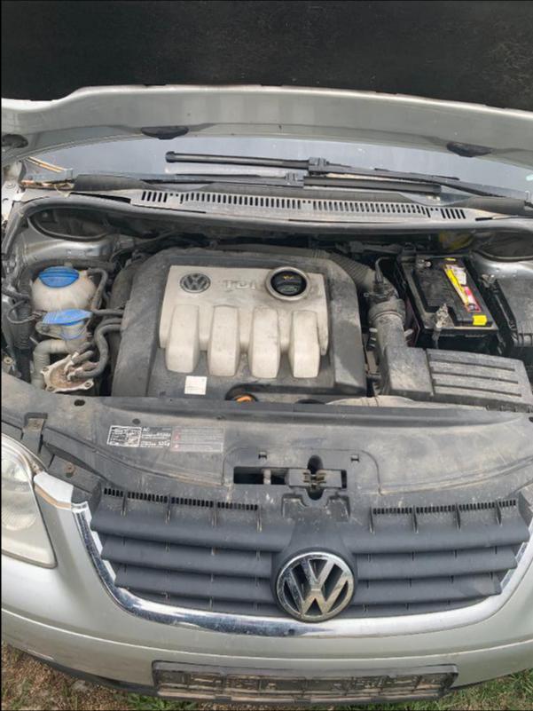VW Touran 1,9 AVQ 101k НА ЧАСТИ, снимка 5