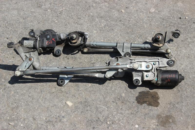 Малогабаритни каросерийни части за Mitsubishi Colt
